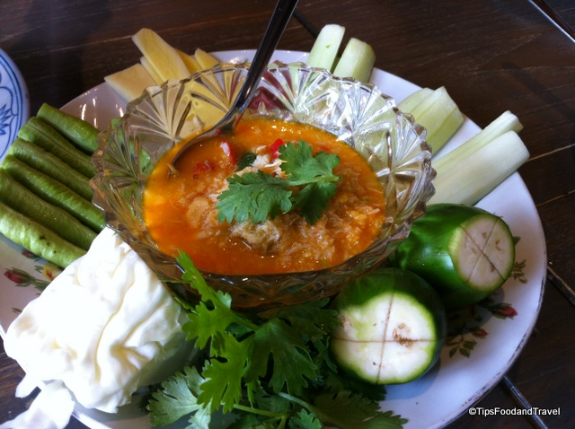 Where to eat from Punnawithi to PhromPhong station